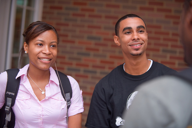 19035Campus shots students...Toni Mack & Keth Mitchell  Talk to DeAndre Chrsitian