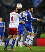 FUSSBALL   1. BUNDESLIGA    SAISON 2012/2013    14. Spieltag   Hamburger SV - FC Schalke 04                               27.11.2012 Heiko Westermann (li, Hamburger SV) gegen Klaas Jan Huntelaar (re, FC Schalke 04)