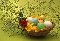 Uova di Pasqua. Easter eggs ..