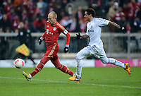 FUSSBALL   1. BUNDESLIGA  SAISON 2012/2013   21. Spieltag  FC Bayern Muenchen - FC Schalke 04                     09.02.2013 Arjen Robben (li, FC Bayern Muenchen) gegen Jermaine Jones (re, FC Schalke 04)