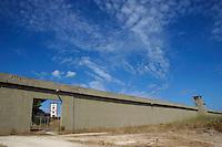 Pianosa.Il muro.The wall.