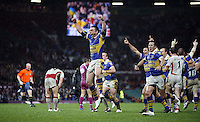 PICTURE BY BEN DUFFY/SWPIX.COM - Rugby League - Super League Grand Final - St. Helens Saints v Leeds Rhinos - Old Trafford, Manchester, England - 04/10/08...Copyright - Simon Wilkinson - 07811267706...Leeds Kevin Sinfield, Danny McGuire and teammates celebrate at the final whistle.