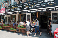 Al fresco dining on the Lower East Side of New York on Saturday, May 26, 2012.  (© Richard B. Levine)