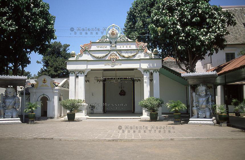 Indonesia, Java island, Yogyakarta: The Sultan's palace entrance .<br /> Indonesia; Giava, Yogyakarta: entrata del palazzo del Sultano denominato KRATON.