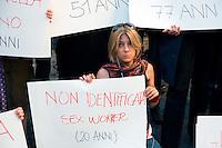 Roma 2  Maggio 2012.Manifestazione contra la violenza sulle donne.55 cartelli con il nome e l'età delle donne uccise nel 2012  in piazza Montecitorio per protestare contra la violenza sulle donne