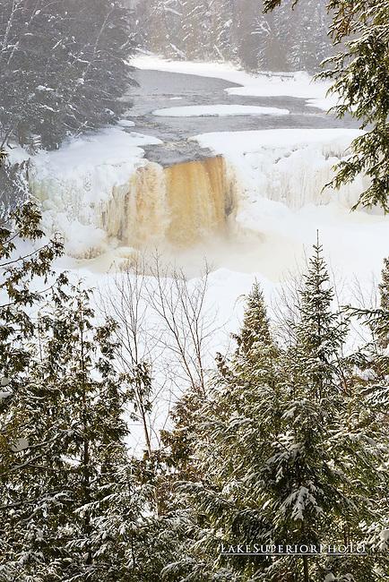 Tahquamenon Falls, Winter, portrait