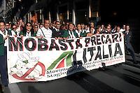 Roma 15 Settembre 2008.Manifestazione dei piloti,hostess e lavarotori dell'Alitalia contro la vendita della società .Air hostesses, pilots and employees of Italy's flag carrier Alitalia march during a demonstration .Banner read:  ' Stop precarious jobs Alitalia'