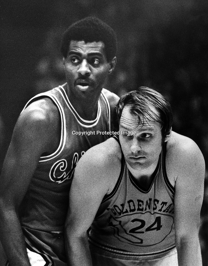 Golden State Warrior Rick Barrywith Chicago Bulls Bob Love.(1975 photo by Ron Riesterer)