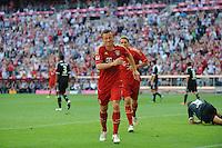 Fussball Bundesliga Saison 2011/2012 3. Spieltag FC Bayern Muenchen - Hamburger SV Ivica OLIC (FCB) mit schmerzverzerrter Miene nach seinem Tor zum 5:0.