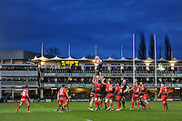 Tom Ellis of Bath Rugby wins the ball at a lineout. European Rugby Champions Cup match, between Bath Rugby and RC Toulon on January 23, 2016 at the Recreation Ground in Bath, England. Photo by: Patrick Khachfe / Onside Images