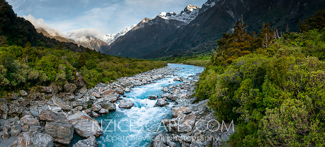 Copland River in Copland Valley, Westland Tai Poutini National Park, West Coast, UNESCO World Heritage Area, New Zealand, NZ