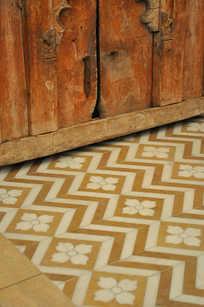 Maharaja, a natural stone waterjet mosaic shown in Lagos Gold and Heavenly Cream, is part of the Silk Road Collection by Sara Baldwin for New Ravenna Mosaics. Take the next step: prices, samples and design help, http://www.newravenna.com/showrooms/