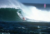 GARY 'KONG' ELKERTON (AUS) surfing at Sunset Beach, North Shore, Hawaii in Decemebr 1989.   Photo: joliphotos.com