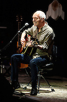 FORT LAUDERDALE, FL - OCTOBER 05: Peter Frampton performs at The Parker Playhouse on October 5, 2016 in Fort Lauderdale Florida. Credit: mpi04/MediaPunch
