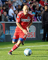 Chicago midfielder Freddie Ljungberg (8) dribbles the ball.  The Chicago Fire tied DC United 0-0 at Toyota Park in Bridgeview, IL on Oct. 16, 2010.