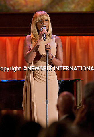 """MARY J BLIGE .performs at the 2011 Governors Awards in the Grand Ballroom at Hollywood & Highland in Hollywood, Los Angeles_12/11/2011.Mandatory Photo Credit: ©Wawrychuk/Newspix International..**ALL FEES PAYABLE TO: """"NEWSPIX INTERNATIONAL""""**..PHOTO CREDIT MANDATORY!!: NEWSPIX INTERNATIONAL(Failure to credit will incur a surcharge of 100% of reproduction fees)..IMMEDIATE CONFIRMATION OF USAGE REQUIRED:.Newspix International, 31 Chinnery Hill, Bishop's Stortford, ENGLAND CM23 3PS.Tel:+441279 324672  ; Fax: +441279656877.Mobile:  0777568 1153.e-mail: info@newspixinternational.co.uk"""
