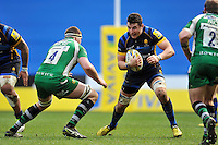 Phil Dowson of Worcester Warriors in possession. Aviva Premiership match, between London Irish and Worcester Warriors on February 7, 2016 at the Madejski Stadium in Reading, England. Photo by: Patrick Khachfe / JMP
