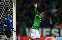 FUSSBALL   1. BUNDESLIGA   SAISON 2013/2014   11. SPIELTAG SV Werder Bremen - Hannover 96                         03.11.2013 Cedrick Makiadi (SV Werder Bremen) bejubelt seinen Treffer zum 2:1