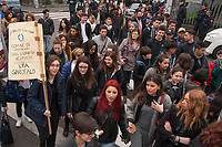Milano, Quarto Oggiaro, studenti e cittadini contro la mafia, XXII giornata in ricordo delle vittime di mafia promossa da Libera.<br /> Milano, students and citizens against the Mafia, XXII day in memory of the victims of the Mafia, organized by the associationLibera.