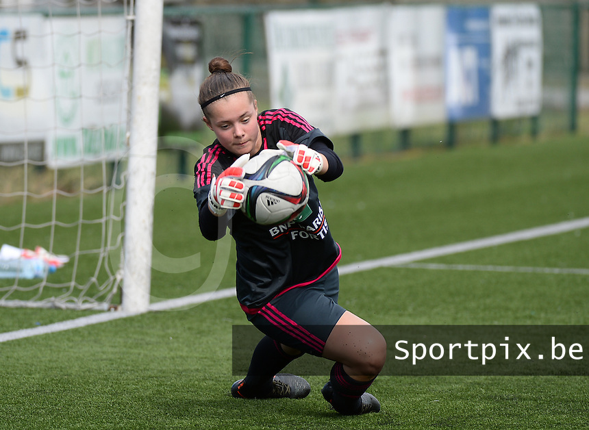 20150808 - ZULTE , BELGIUM : Anderlecht's Goalkeeper Diede Lemey  pictured during a friendly soccer match between the women teams of Zulte-Waregem and RSC Anderlecht  , during the preparations for the 2015-2016 SUPERLEAGUE season, Saturday 8 August 2015 . PHOTO DAVID CATRY