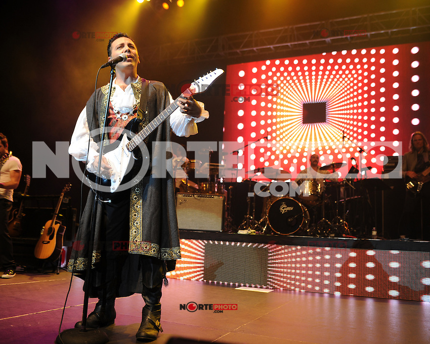 HOLLYWOOD FL - AUGUST 18 : Cristian Castro performs at Hard Rock live held at the Seminole Hard Rock hotel &amp; Casino on August 18, 2012 in Hollywood, Florida. &copy;&nbsp;mpi04/MediaPunch Inc /NortePhoto.com<br /> <br /> **SOLO*VENTA*EN*MEXICO**<br />  **CREDITO*OBLIGATORIO** *No*Venta*A*Terceros*<br /> *No*Sale*So*third* ***No*Se*Permite*Hacer Archivo***No*Sale*So*third*