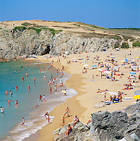 France, Brittany, Département Morbihan, Quiberon peninsula: popular beach and The Wild Coast | Frankreich, Bretagne, Département Morbihan, Quiberon Halbinsel: mit Strand und der Côte Sauvage