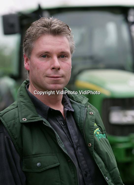 Foto: VidiPhoto..ELST - Portret van varkenshouder Erik Holleman uit het Betuwse Elst.