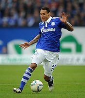 FUSSBALL   1. BUNDESLIGA   SAISON 2011/2012    11. SPIELTAG FC Schalke 04 - 1899 Hoffenheim                            29.10.2011 Jermaine JONES (Schalke) Einzelaktion am Ball