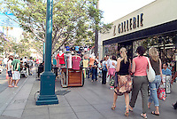 Santa Monica, CA, Third Street Promenade,  outdoor shopping, mall, City by the Bay, tourists, Street Performer High dynamic range imaging (HDRI or HDR)