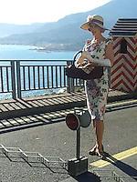 "Nicole Kidman in a vintage floral dress on "" Grace Of Monaco "" set _ EXCLU"