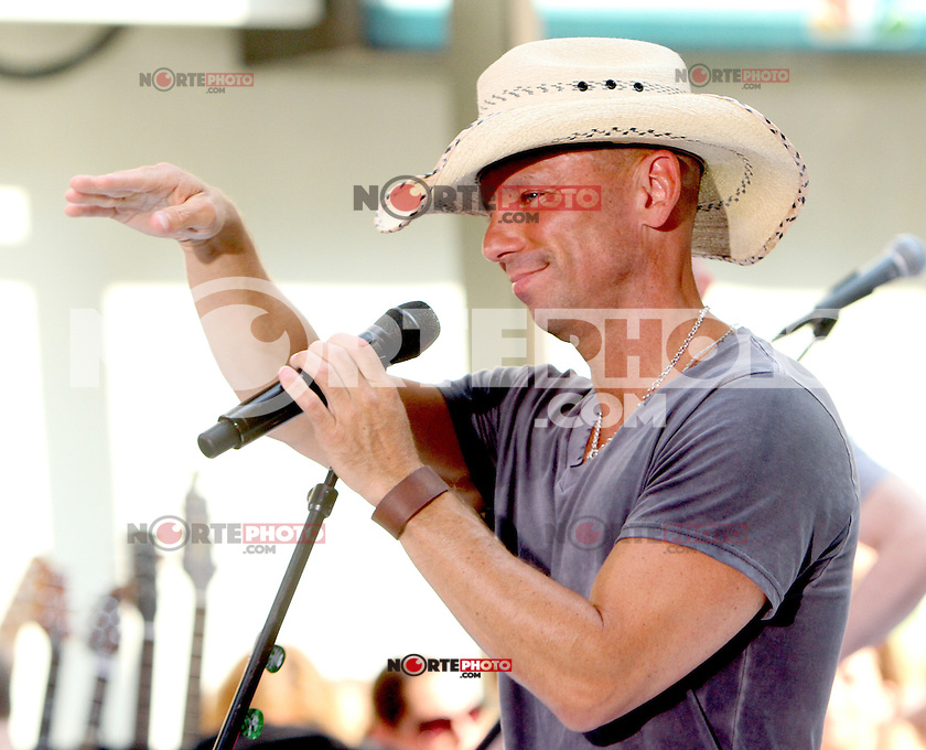 Kenny Chesney at NBC's Today Show during the Toyota Concert Series in New York City. June 22, 2012. &copy; RW/MediaPunch Inc. NORTEPHOTO.COM<br /> **SOLO*VENTA*EN*MEXICO**<br /> **CREDITO*OBLIGATORIO** <br /> *No*Venta*A*Terceros*<br /> *No*Sale*So*third*