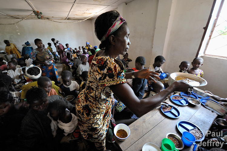 A nutrition center in Kamina, Democratic Republic of the Congo. The center, which offers meals to malnourished children and their mothers, along with nutrition and agriculture education, is funded by United Methodist Women, with training provided by the United Methodist Committee on Relief.