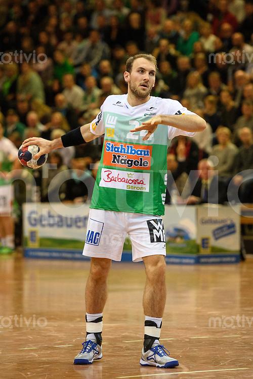 Marcel Schiller (FAG) beim Siebenmeter Wurf