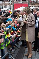 Le Roi Philippe de Belgique et la Reine Mathilde de Belgique &agrave; l&rsquo;H&ocirc;tel de ville de Dendermonde, lors d'une visite de la Province de Flandre- Occidentale.<br /> Belgique, Dendermonde, 25 avril 2017.<br /> Queen Mathilde of Belgium and King Philippe of Belgium pictured during a visit to the city hall in Dendermonde,, part of a visit of Belgian Royal couple in East-Flanders.<br /> Belgium, Dendermonde, 25 April 2017.