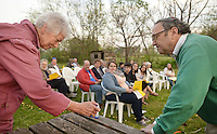 NWA Democrat-Gazette/BEN GOFF @NWABENGOFF<br /> Eileen Lieber of Fayetteville and Rabbi Rob Lennik light the Shabbat candles on Friday April 8, 2016 during the inaugural service at the Community Synagogue of Northwest Arkansas in Lowell.