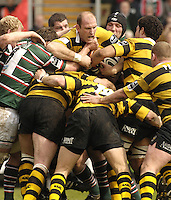 Leicester, ENGLAND,Wasps captian Lawrence Dallaglio, calls the plays, as Wasps try to drive through, during the Guinness Premiership Rugby,  Leicester Tigers vs London Wasps at Welford Road. © Peter Spurrier/Intersport-images.com.