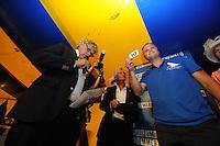 ZEILEN: GROU: Tent Halbertsmaplein, 18-07-2014, Opening SKS skûtsjesilen met loting voor wedstrijden De Veenhoop en Earnewâld, Alco Reijenga (debutantschipper Heerenveen) trekt nr. 10 op De Veenhoop, ©foto Martin de Jong