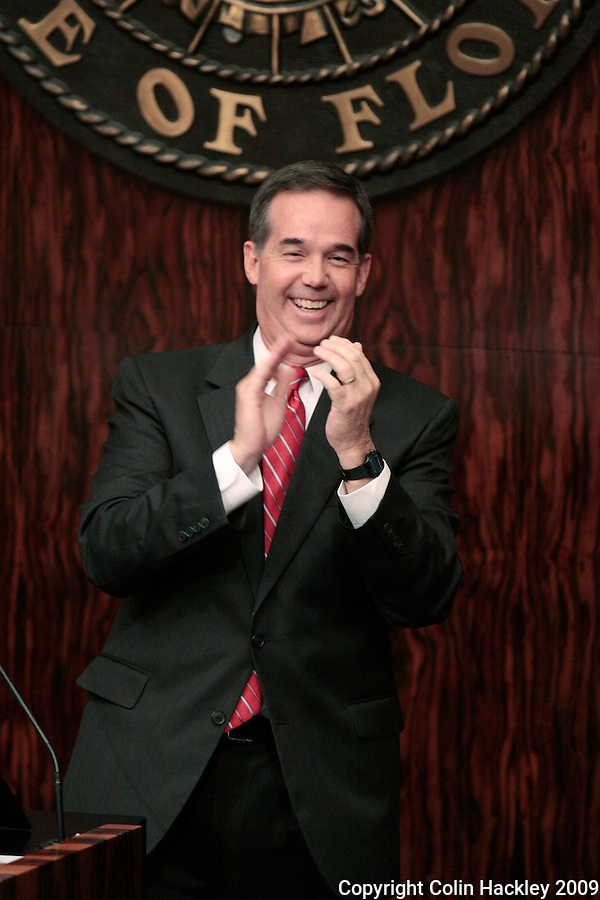 TALLAHASSEE, FL.3/3/09-ATWATER OPENING CH2-Senate President Jeff Atwater, R-Palm Beach Gardens, applauds during the opening of the 2009 legislative session, March 3, 2009 at the Capitol in Tallahassee...COLIN HACKLEY PHOTO