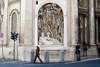 Roma 10 Marzo 2015<br /> Restaurato il complesso monumentale  delle Quattro Fontane<br /> Il Tevere, l&rsquo;Arno, Giunone e Diana tornano a zampillare dopo nove mesi di lavori finanziati dalla maison Fendi  per un costo totale di 320.000 euro. La fontana Tevere<br /> Rome March 10, 2015<br /> Restored the monument of Quattro Fontane<br /> The Tiber, the Arno, Juno and Diana return to gush after nine months of work funded by the fashion house Fendi for a total cost of 320,000 Euros. The fountain Tiber