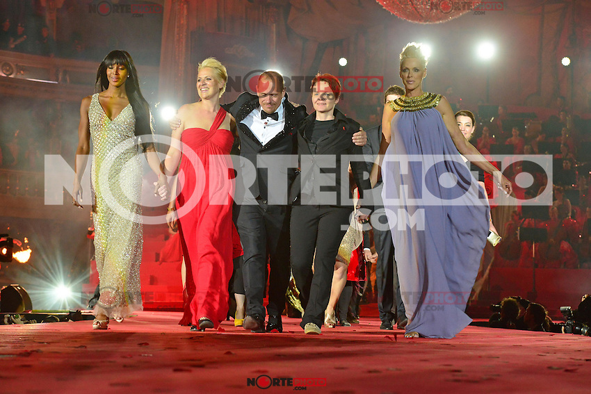 "Naomi Campbell, staff, Gery Keszler (Organisator), staff and Brigitte Nielsen on stage at the ""20th Life Ball"" AIDS Charity Gala 2012 held at the Vienna City Hall. Vienna, Austria, 19th May 2012..Credit: face to face /MediaPunch Inc. ***FOR USA ONLY**"