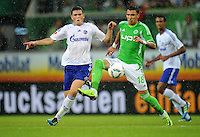FUSSBALL   1. BUNDESLIGA   SAISON 2011/2012    5. SPIELTAG VfL Wolfsburg - FC Schalke 04                                  11.09.2011 Kyriakos PAPADOPOULOS (li, Schalke) gegen Mario MANDZUKIC (re, Wolfsburg)