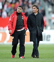 FUSSBALL   1. BUNDESLIGA  SAISON 2011/2012   10. Spieltag 1 FC Nuernberg - VfB Stuttgart         22.10.2011 Co Trainer Eddy Soezer, Trainer Bruno Labbadia (v.li., VfB Stuttgart)