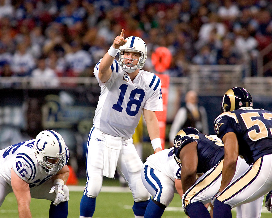 October 25, 2009 - St Louis, Missouri, USA - Colts quarterback Peyton Manning (18) calls a series of audibles in the game between the St Louis Rams and the Indianapolis Colts at the Edward Jones Dome.  The Colts defeated the Rams 42 to 6.