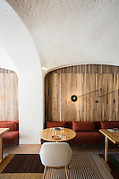 Green Spot restaurant in Barcelona by Isay Weinfeld for Tomás Tarruella - En compañía de Lobos