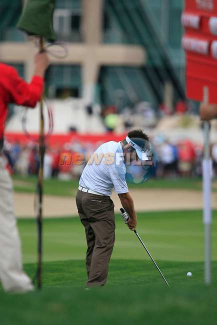 Louis Oosthuizen plays his 2nd shot from the rough on the 9th hole during Day 2 Friday of the Abu Dhabi HSBC Golf Championship, 21st January 2011..(Picture Eoin Clarke/www.golffile.ie)