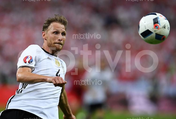 FUSSBALL EURO 2016 GRUPPE C IN PARIS Deutschland - Polen    16.06.2016 Benedikt Hoewedes (Deutschland)