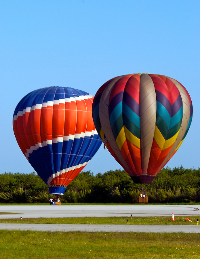 Hot air balloon landing at the 25th Annual Sunrise Community Hot Air Balloon Event. Sunrise Coomunity is a non profit service provider of programs that supports people with living mental and physical challenges.