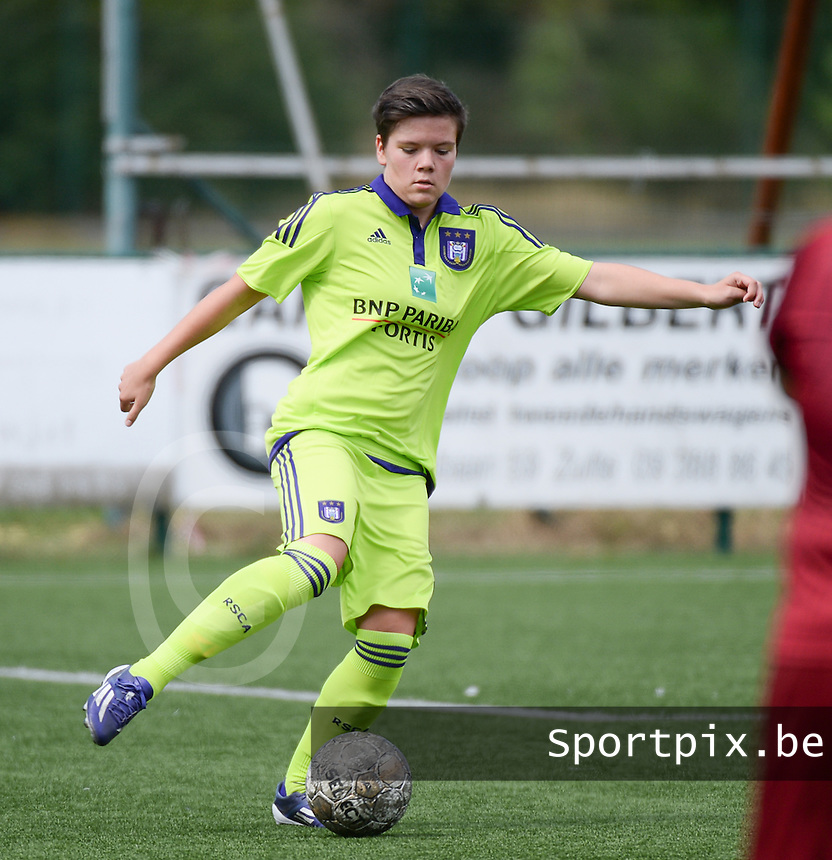 20150808 - ZULTE , BELGIUM : Anderlecht's Lien Wyndaele pictured during a friendly soccer match between the women teams of Zulte-Waregem and RSC Anderlecht  , during the preparations for the 2015-2016 SUPERLEAGUE season, Saturday 8 August 2015 . PHOTO DAVID CATRY