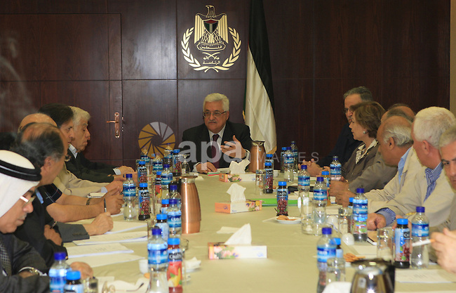 Palestinian President Mahmoud Abbas heads the meeting of the Fatah executive committee in the West Bank of Ramallah on Aug 1, 2009.  Photo by Thaer Ganaim
