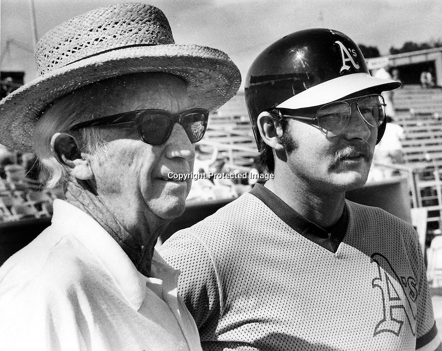 Bill Rigney and Carney Lansford during Spring Training in Arizona.(1983 photo/Ron Riesterer)